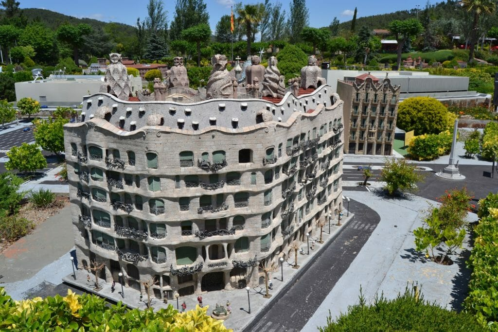 парк «Каталония в миниатюре» педрера