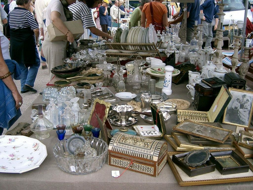 Рынок Fira Brocanters -Port Antic